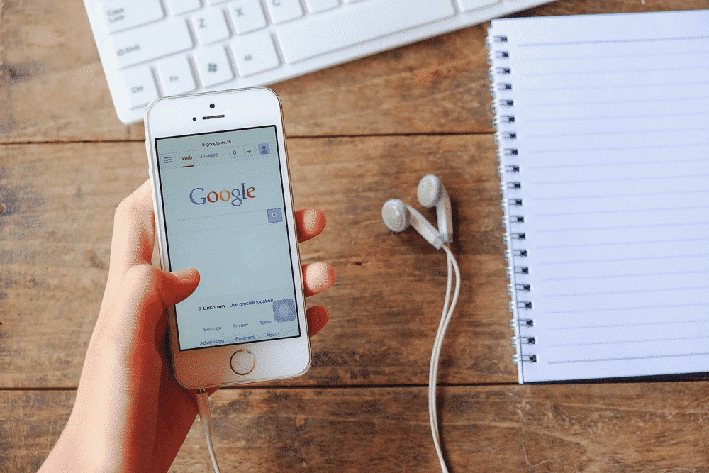 Digital marketer using google for a PPC campaign